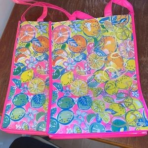 Lilly totes